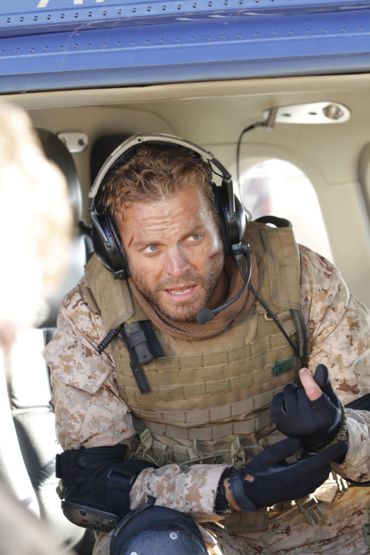Win SEAL TEAM 8: BEHIND ENEMY LINES on Blu-ray - CLOSED