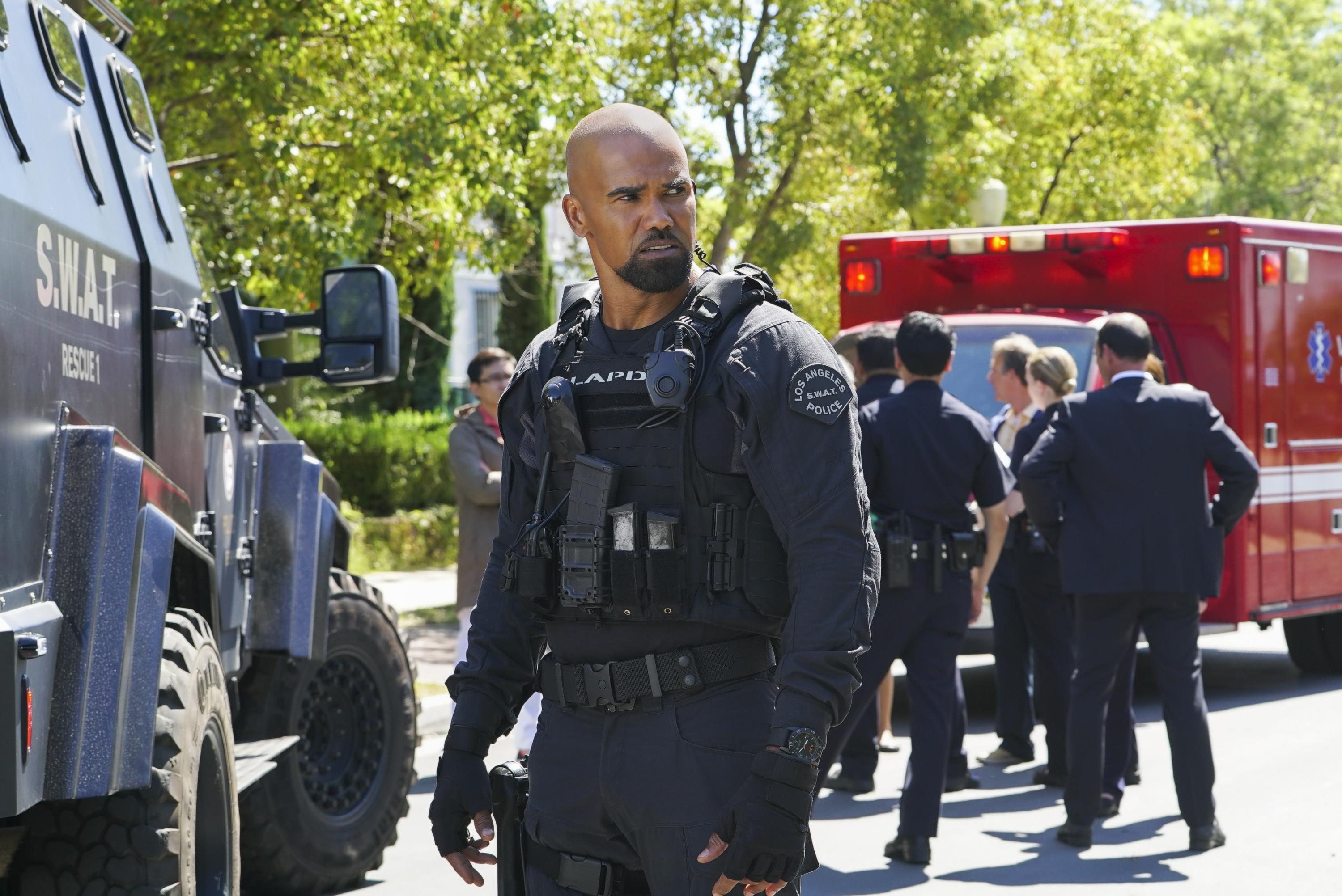 Cast Of Swat 2018: CBS Renews SEAL TEAM And S.W.A.T. For Second Seasons